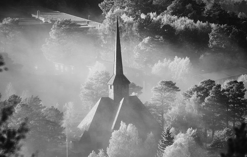 dombas-kirke-mellom